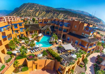 retraite yoga maroc - stage yoga taghazout - hotel-piscine