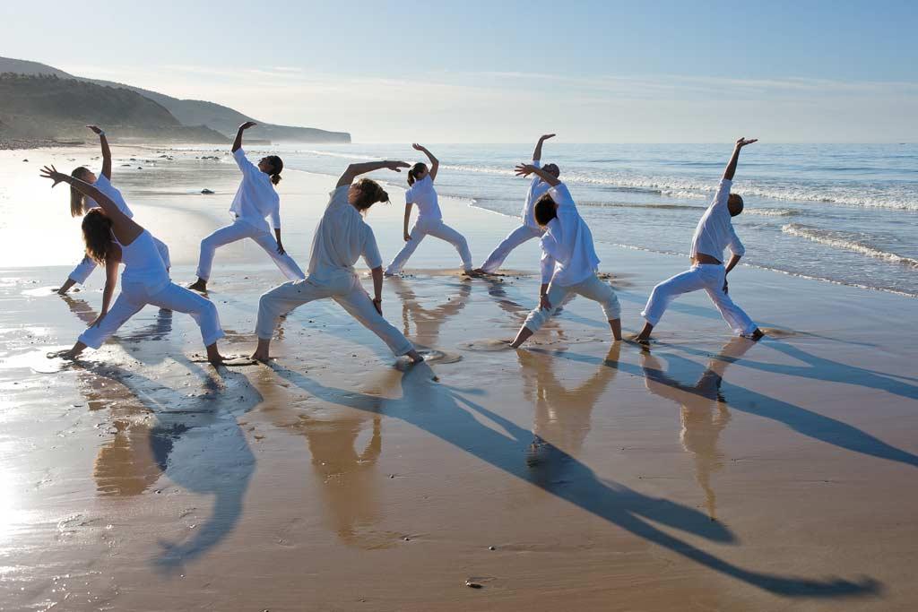 retraite yoga maroc - stage yoga taghazout - yoga sur la plage