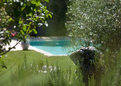 stage-yoga-cahors--retraite-de-yoga-lot-piscine-nature