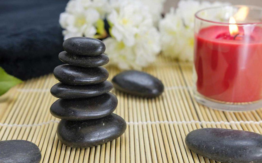 Routine ayurvédique : le plein d'énergie grâce au yoga et à l'ayurveda