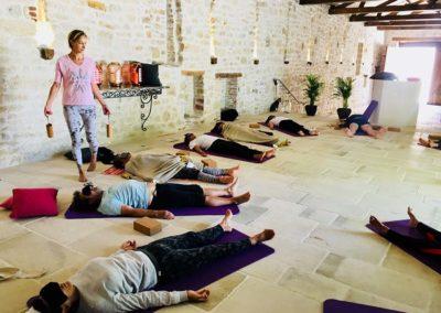 retraite-yoga-cahors-stage-yoga-intensif-été-domaine-de-labarthe-stephanie-billard-yoga-shala