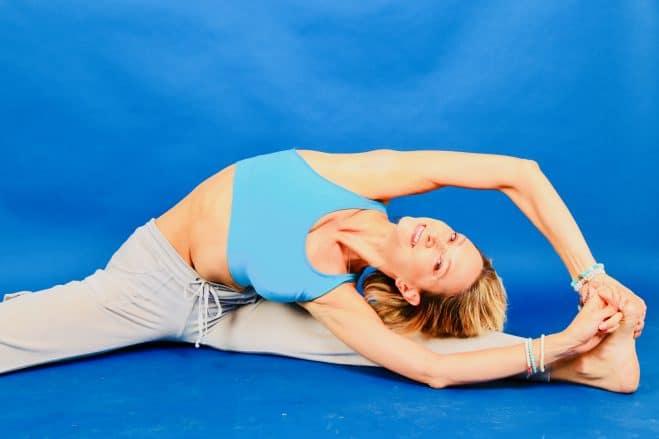 atelier yoga orleans et paris - ameliorer flexibilité - posture yoga souplesse