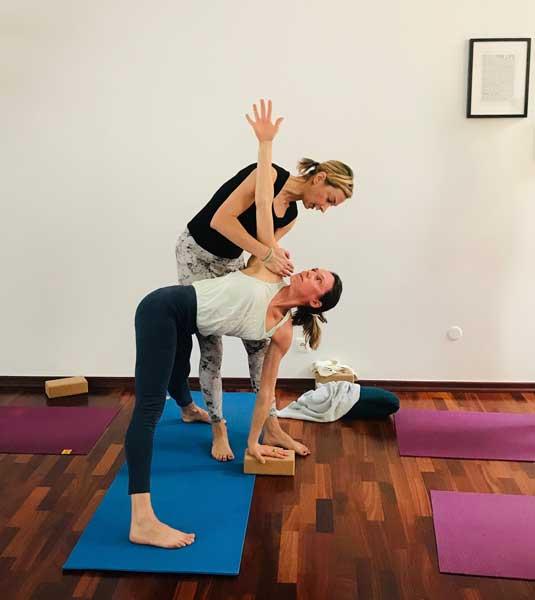 yoga torsions et detox - postures de yoga detox-stéphanie billard