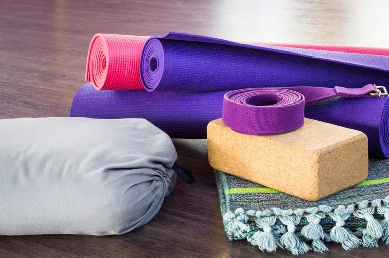 Materiel-yoga-pour-pratique-personnelle