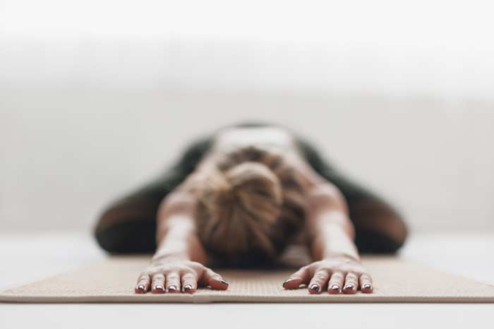atelier yoga orléans: Développer sa souplesse avec les postures vers l'avant