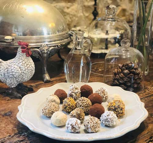 atelier-yoga-and-food-dietetique-orléans-Truffes-énergisantes-chocolat-–-coco