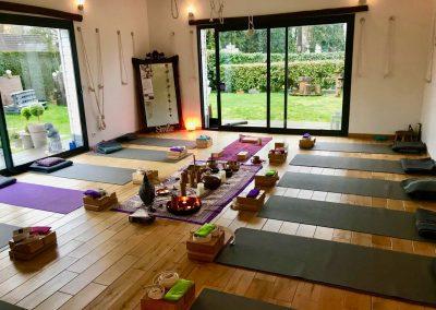 Stage yoga detox en NOrmandie - weekend end yoga et méditation détox baie de somme - salle de pratique de yoga