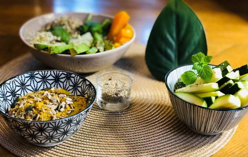 aperitif-veggie-houmos-maison-sans-pois-chiche-et-chips-legumes