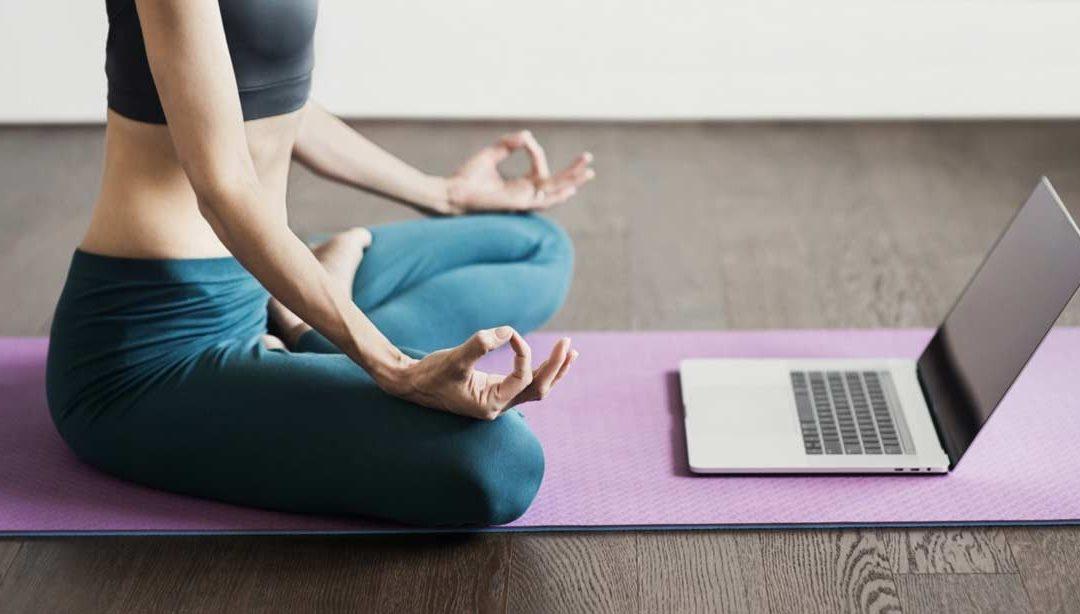 Pourquoi continuer à pratiquer le Yoga en ligne !
