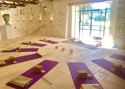 retraite-yoga-cahors-stage-yoga-intensif-été-domaine-de-labarthe-stephanie-billard-yoga